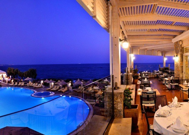 swimming pool Resort restaurant Villa Island