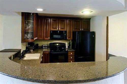 property condominium home living room countertop mansion Suite appliance Island