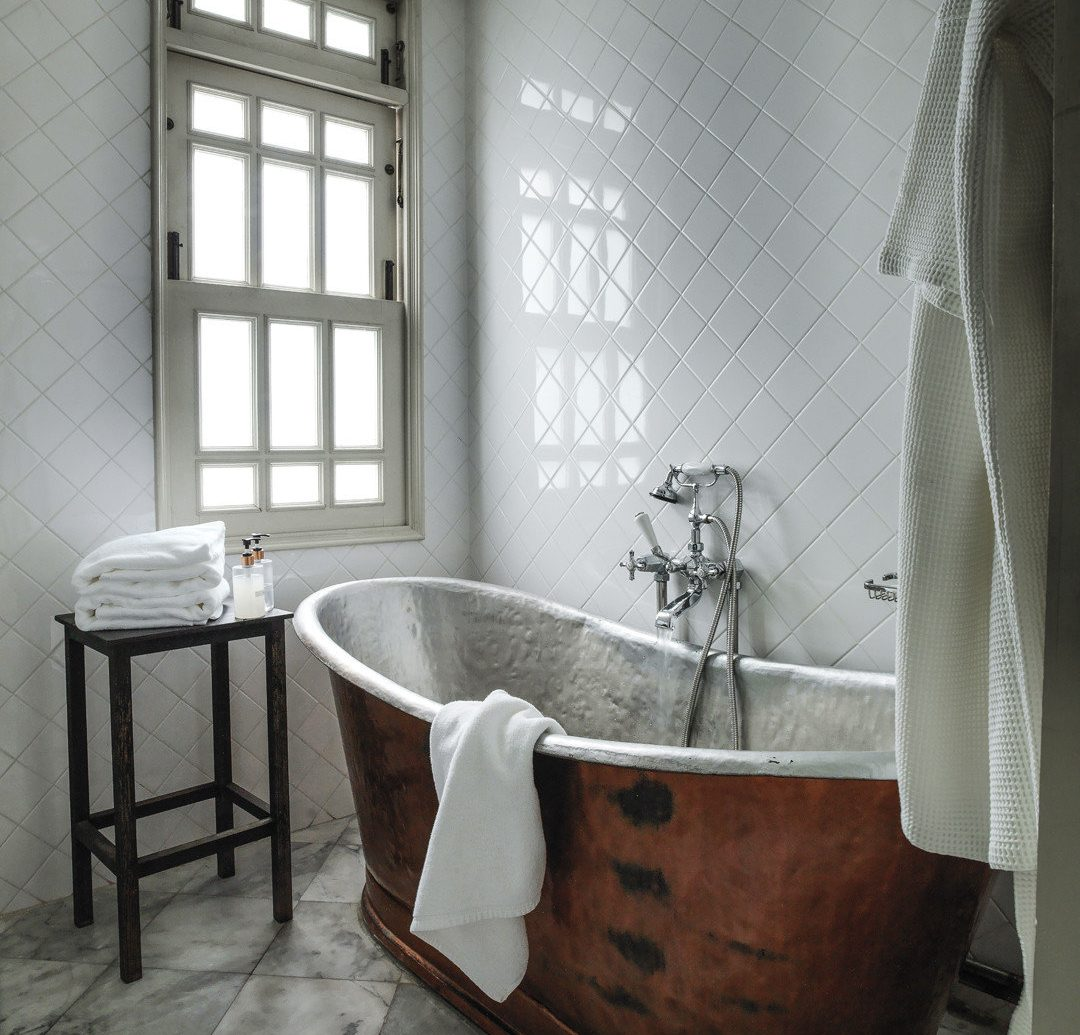 Budget indoor floor window room bathroom property bathtub plumbing fixture interior design flooring tile Design furniture