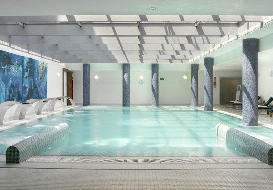 swimming pool property leisure centre jacuzzi