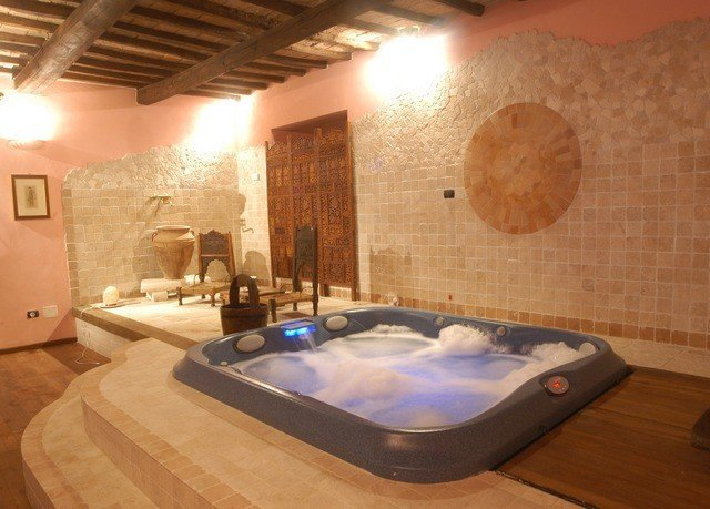 swimming pool property jacuzzi