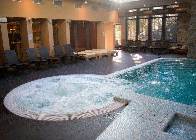 swimming pool property jacuzzi thermae