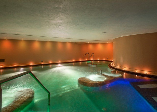 swimming pool jacuzzi thermae