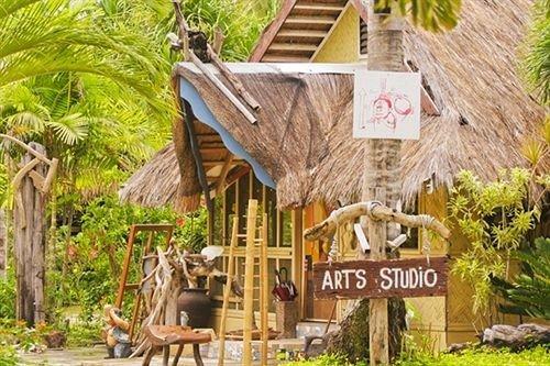 tree property Resort wooden home cottage Jungle