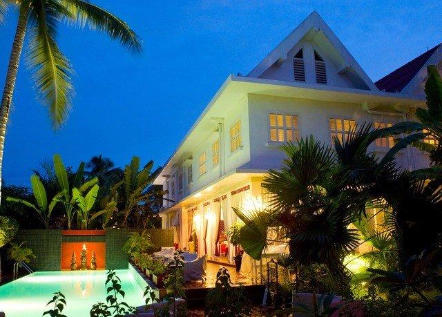 tree sky palm Resort property caribbean Villa home arecales mansion hacienda eco hotel Jungle plant