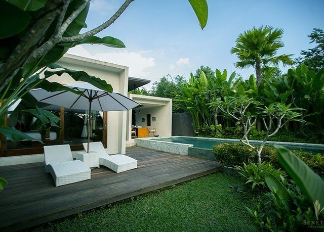 tree plant property house Villa Resort home backyard cottage swimming pool Jungle caribbean arecales eco hotel mansion tropics hacienda palm