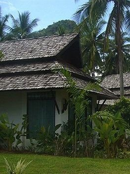 tree grass building property house Resort hut cottage home Jungle Village Villa eco hotel plant palm