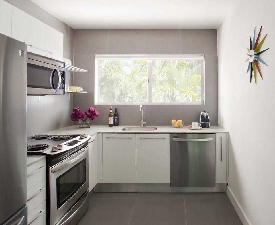 cabinet Kitchen property home cuisine classique cabinetry countertop cottage appliance kitchen appliance