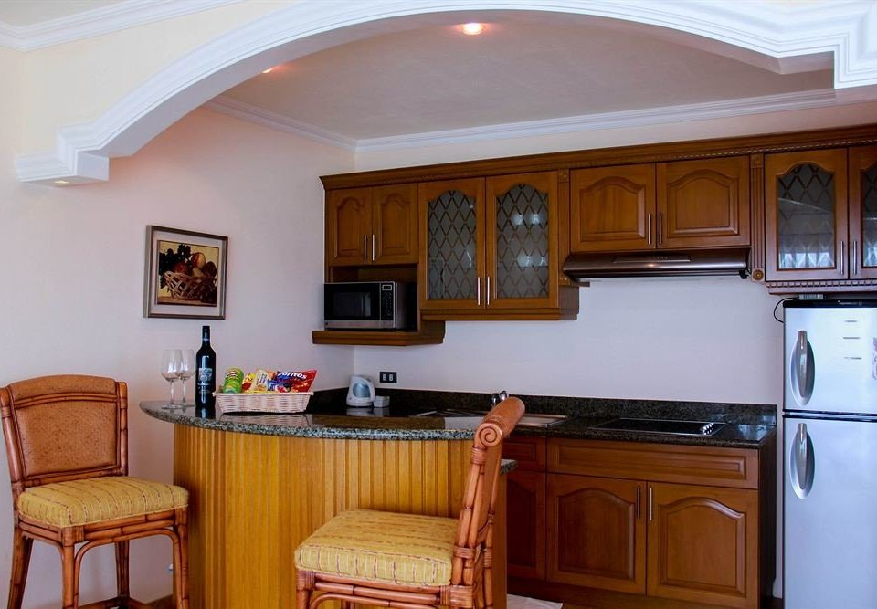 cabinet Kitchen property home house cottage cabinetry farmhouse appliance