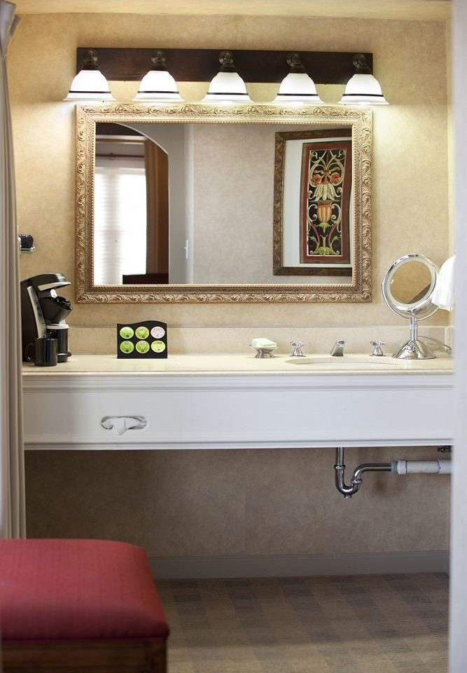 bathroom cabinetry home Kitchen sink flooring countertop living room bathroom cabinet cottage