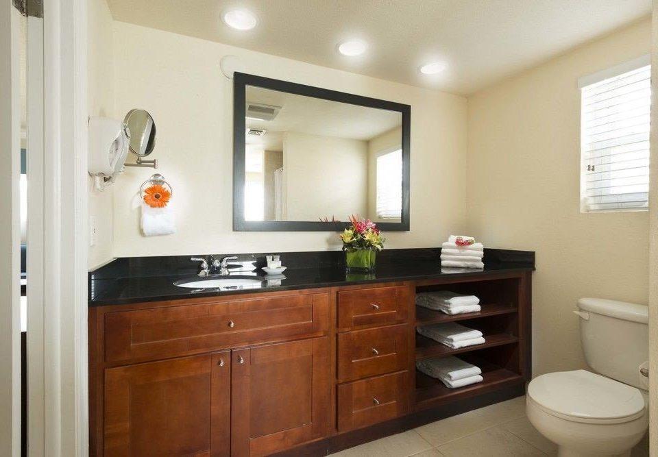 cabinet property bathroom cabinetry home cottage Kitchen sink