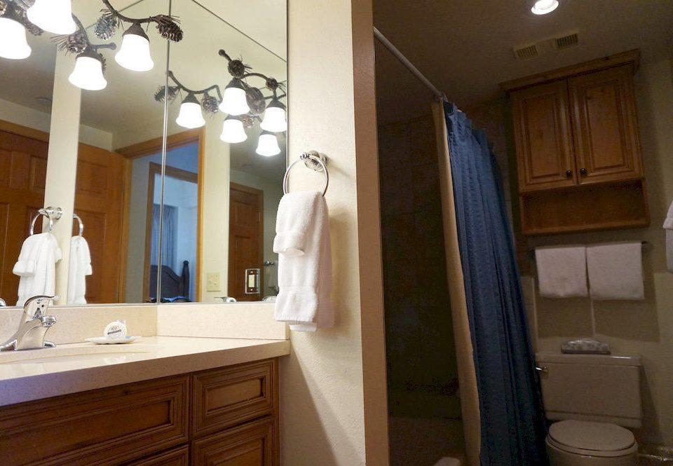 bathroom property home sink Kitchen cottage cabinetry