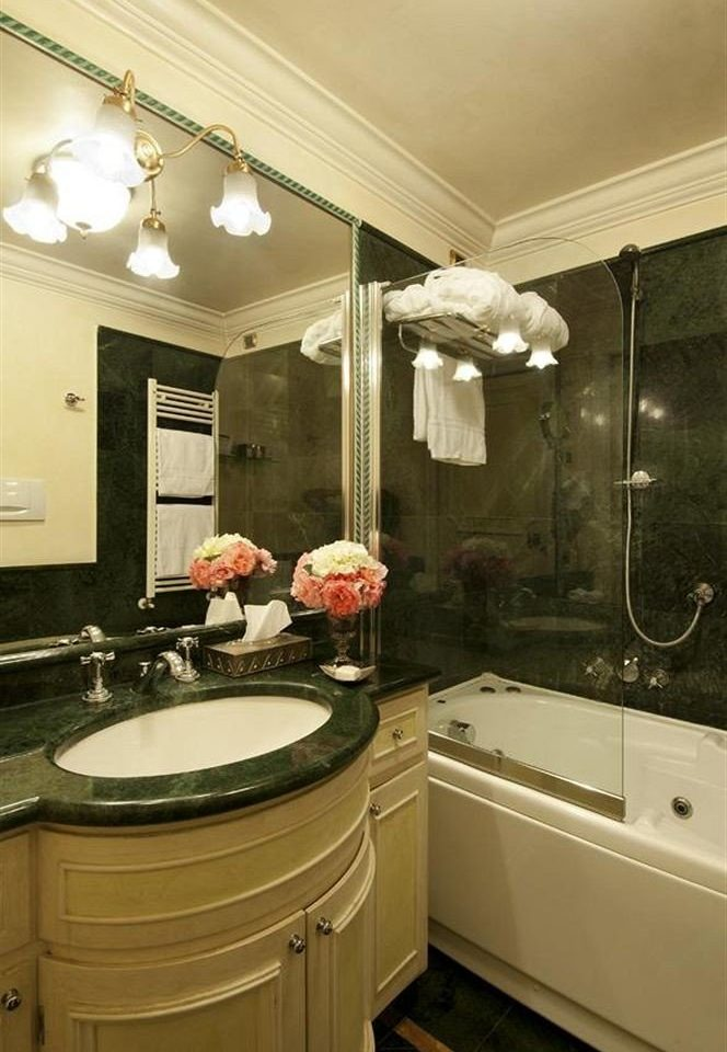 bathroom mirror sink property Kitchen countertop home lighting cabinetry vanity cottage