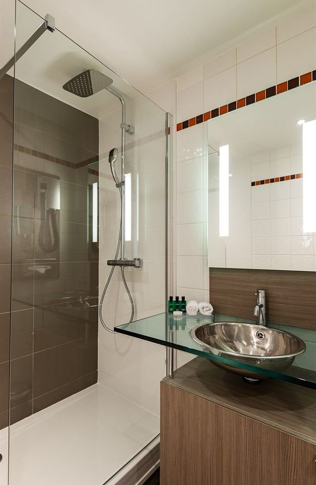 property Kitchen bathroom scene cabinetry home countertop flooring toilet tile