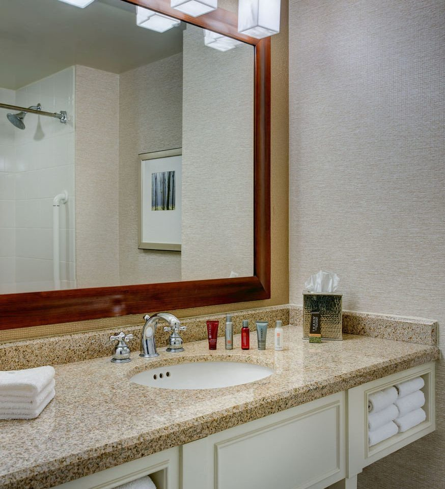 bathroom mirror sink property countertop counter home vanity Kitchen flooring cottage tile material clean rack