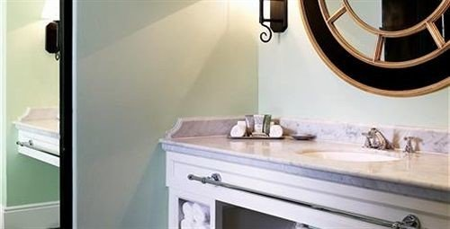 bathroom property countertop home sink cottage Kitchen