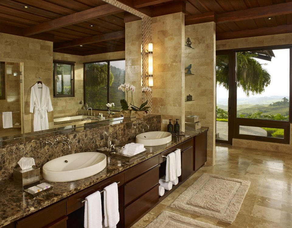 bathroom property home sink farmhouse cottage Kitchen countertop mansion tub