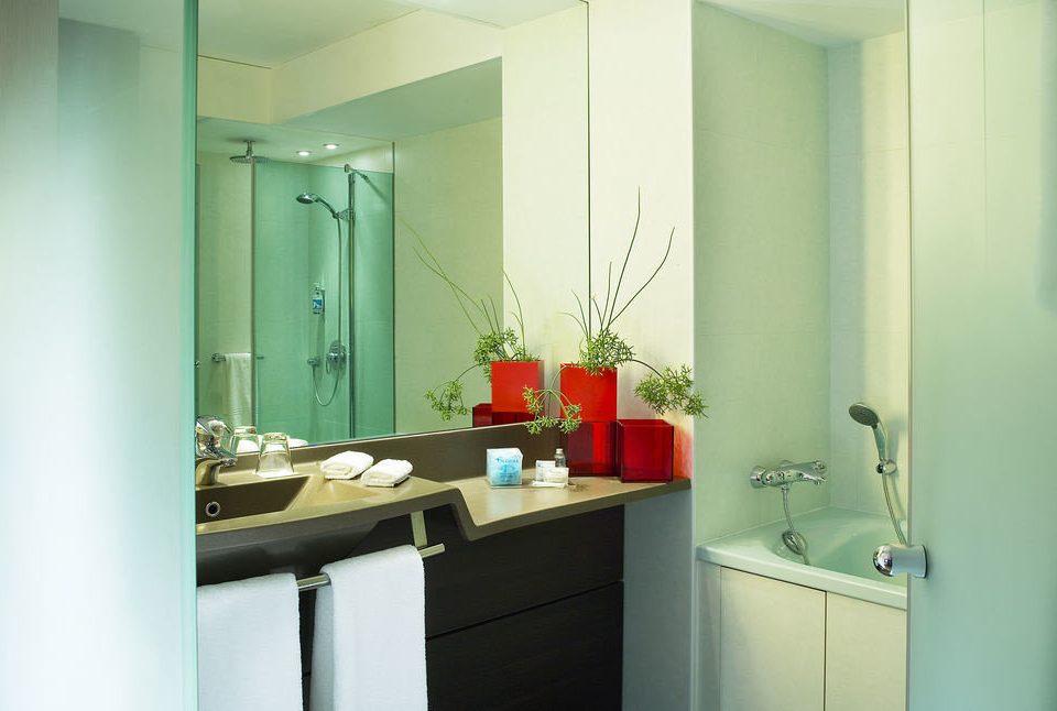 bathroom mirror property sink green home Kitchen