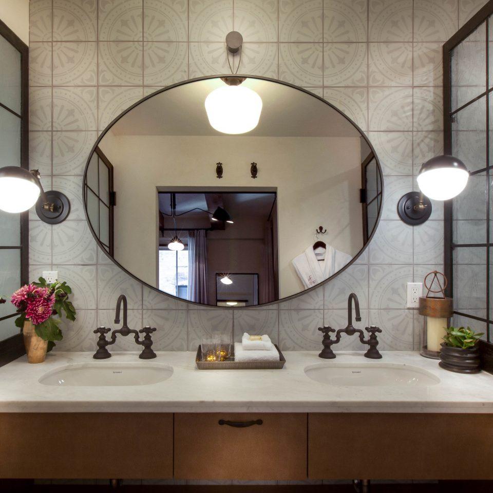 bathroom property sink home lighting Kitchen mansion
