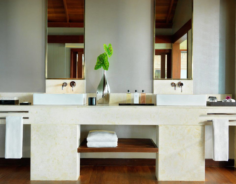 hardwood home cabinetry living room countertop Kitchen desk