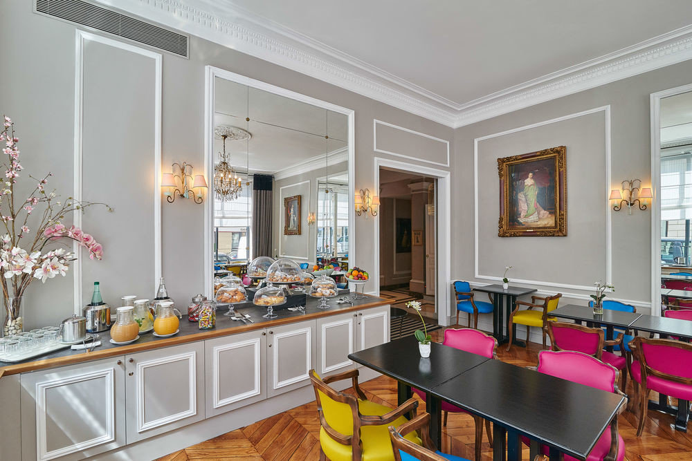 property Kitchen living room home hardwood cuisine classique cabinetry