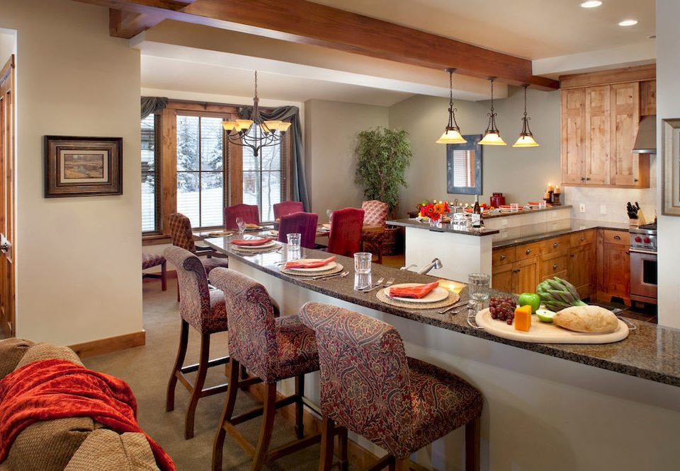 property home cottage Kitchen living room farmhouse cuisine