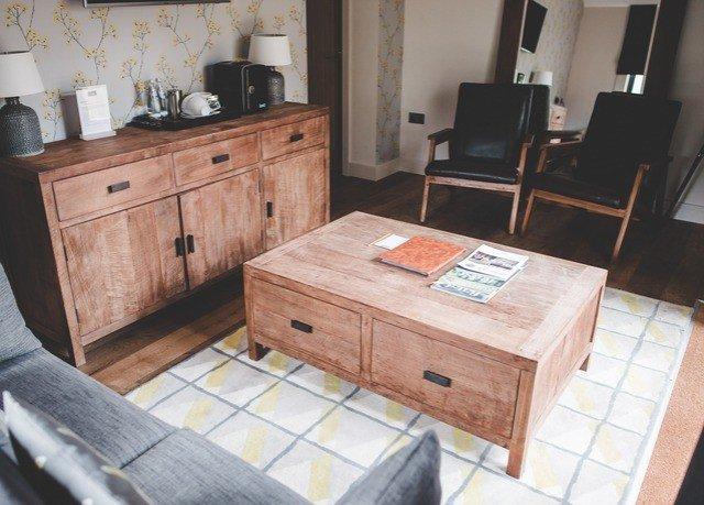 Kitchen property wooden cottage desk living room