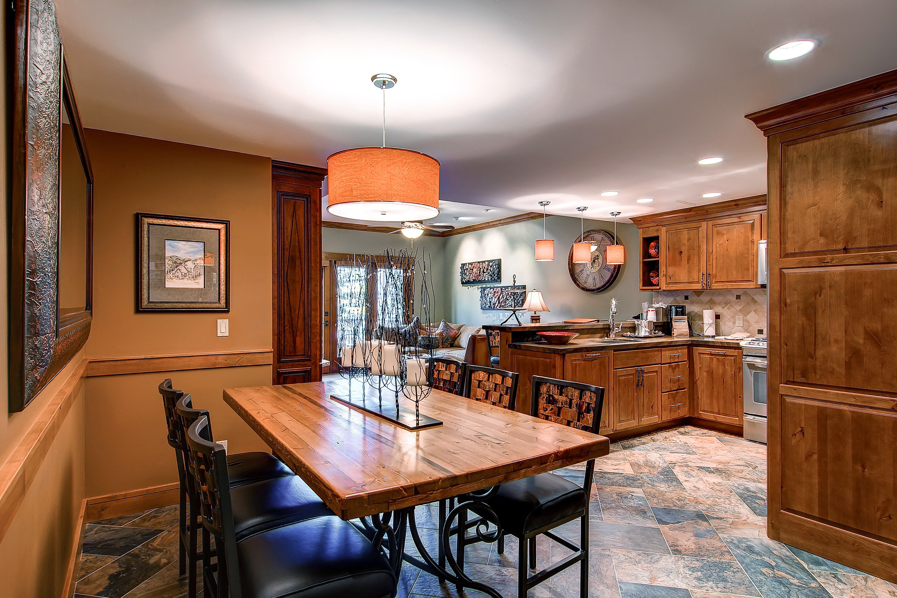 Kitchen Lodge Romantic Ski Suite property home cabinetry wooden hardwood cuisine classique cottage farmhouse living room wood flooring countertop