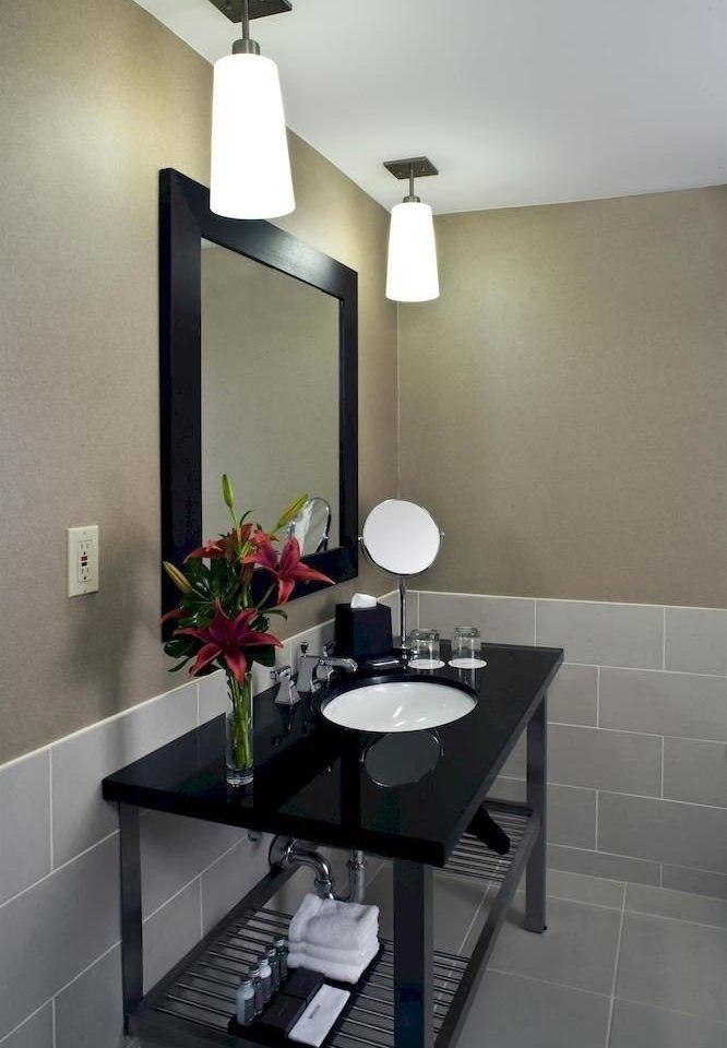 bathroom property mirror sink home lighting living room toilet Kitchen Modern tiled