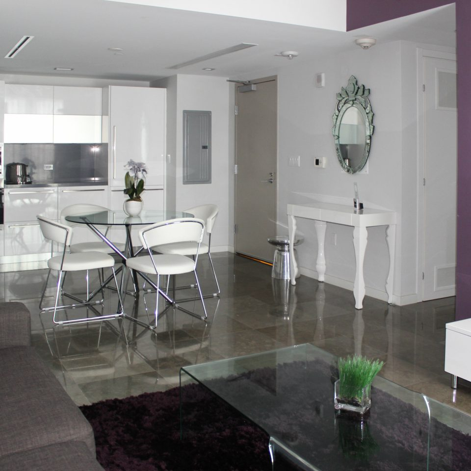 Kitchen Resort property living room home condominium flooring mansion