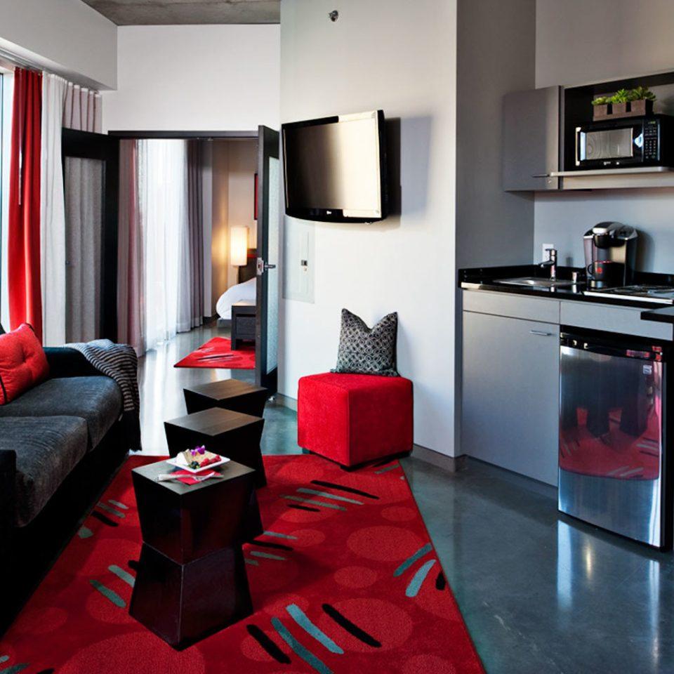 Kitchen Resort red property home Suite cottage living room