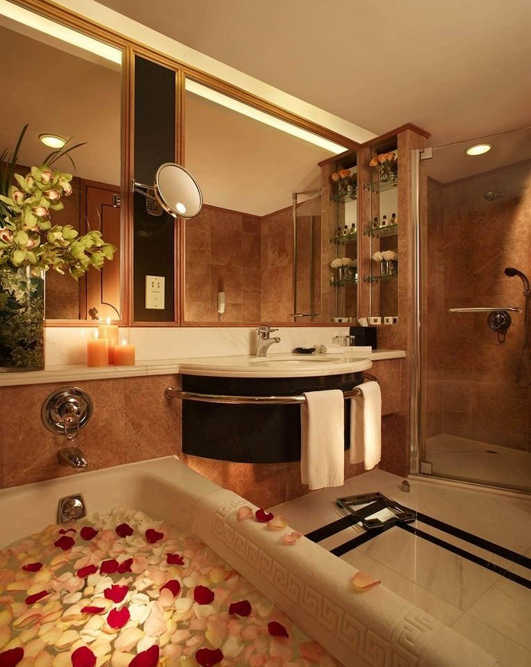 bathroom property home countertop flooring Kitchen Suite cabinetry