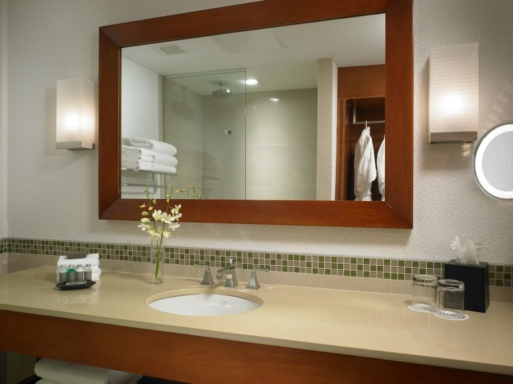 bathroom mirror sink property home countertop counter condominium cabinetry Kitchen Suite