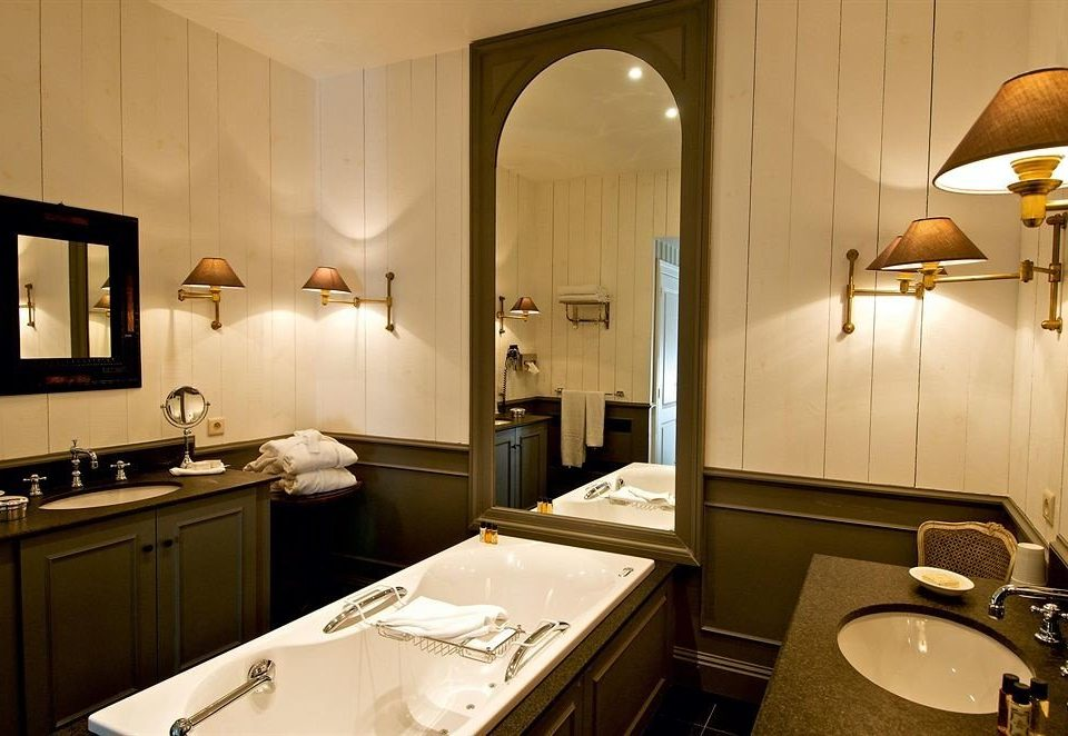 bathroom sink mirror property home Suite lighting cottage counter Kitchen
