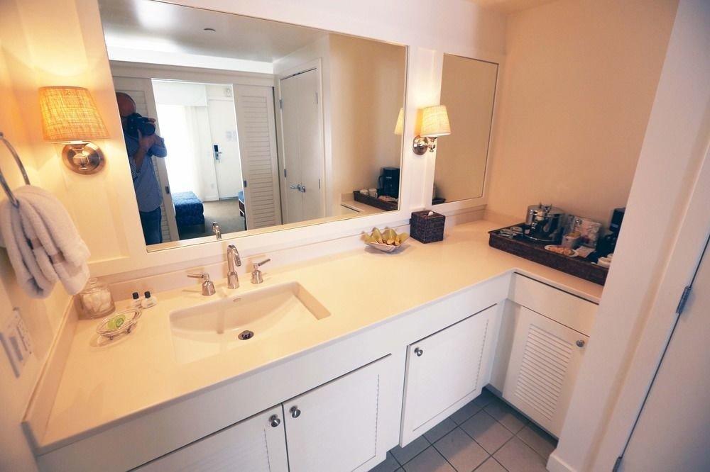 property bathroom white home cottage sink Suite Kitchen