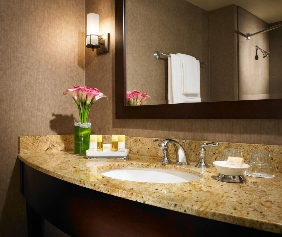 bathroom sink mirror property countertop counter home towel plumbing fixture Kitchen material vanity Suite