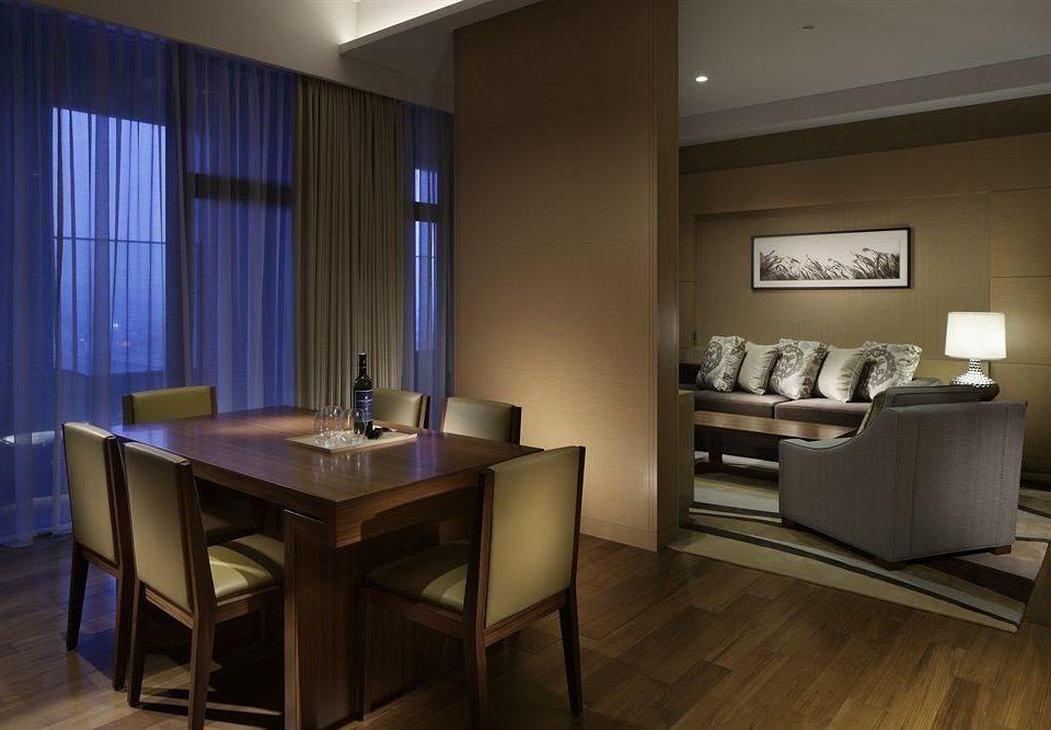 property home hardwood Suite living room lighting Kitchen cabinetry condominium