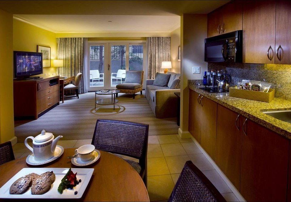 Kitchen property Suite home condominium living room cottage