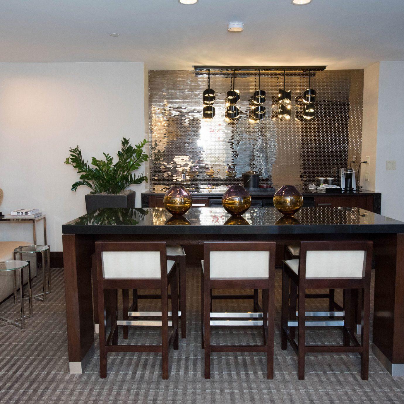 chair property hardwood home Kitchen living room cuisine Villa cabinetry condominium restaurant