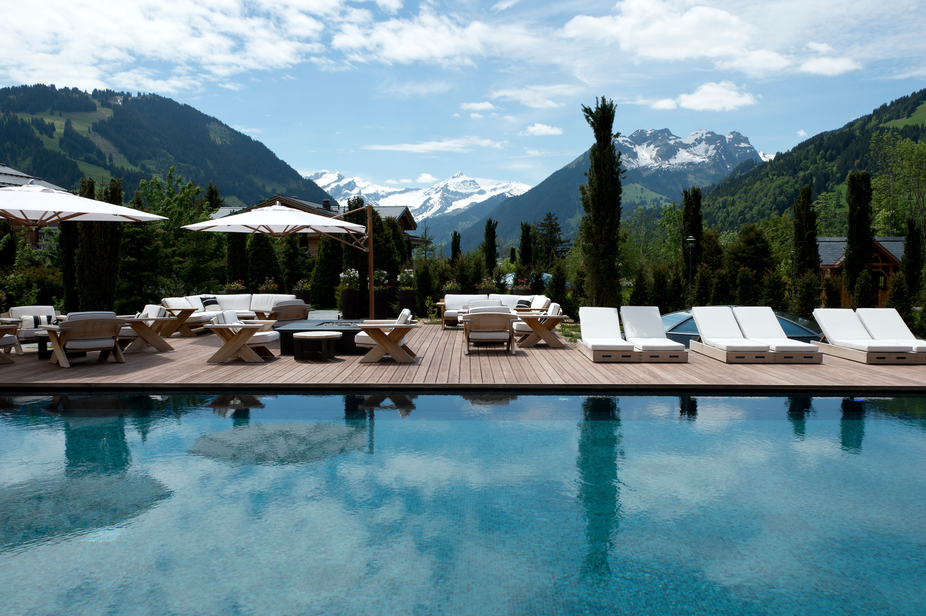 mountain sky Nature swimming pool Resort Sea Lake Lagoon Villa swimming surrounded