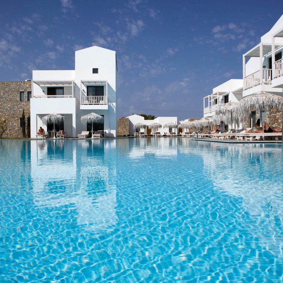 Lounge Luxury Modern Pool building water swimming pool property Resort scene Sea resort town Lagoon marina swimming blue