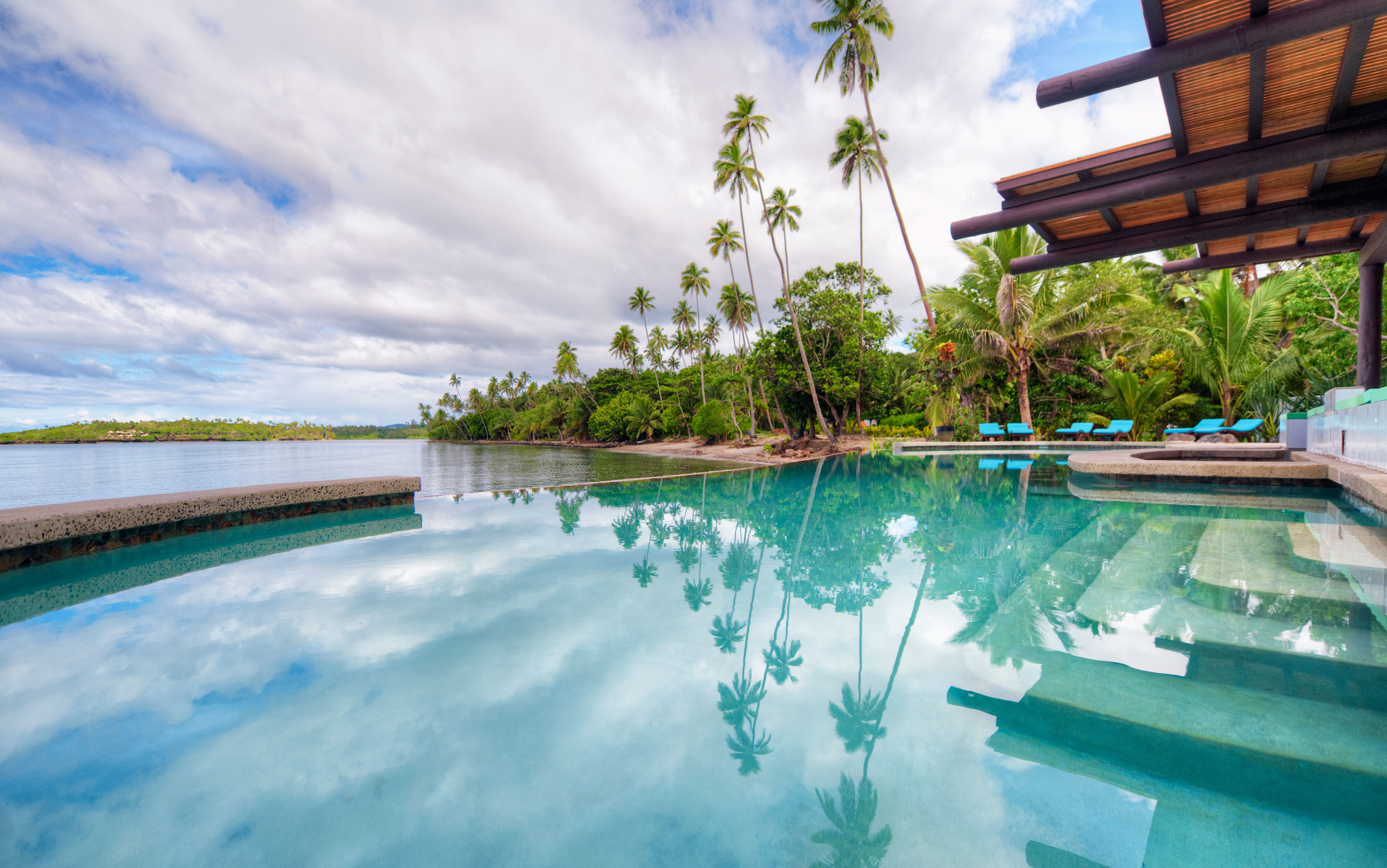 Modern Pool Scenic views Waterfront swimming pool water Resort Lagoon Sea