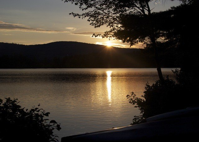 water sky tree Nature Lake atmospheric phenomenon Sunset morning dawn Sun River dusk evening sunrise sunlight loch reservoir shore