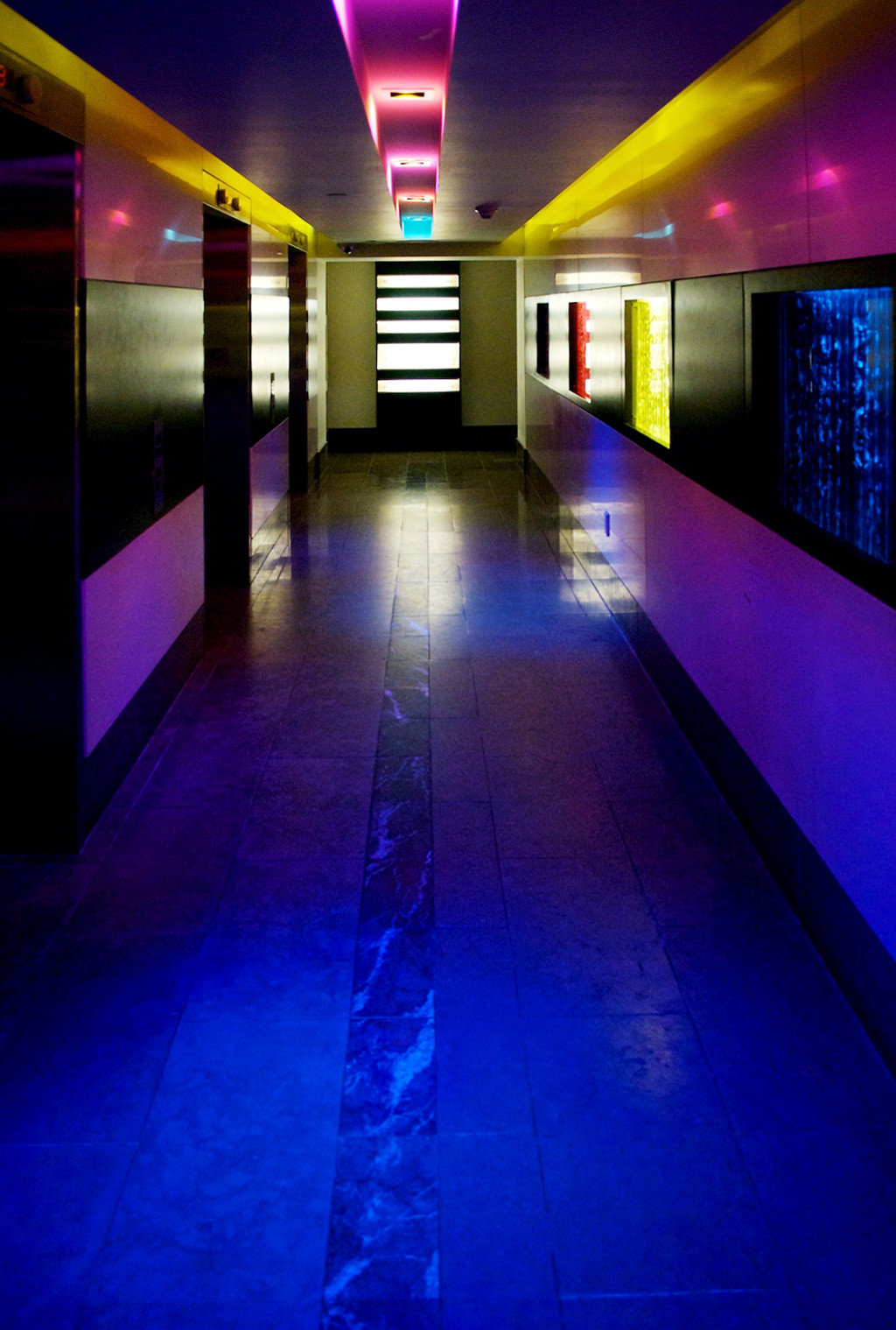 platform light station sport venue sports lighting nightclub screenshot night subway
