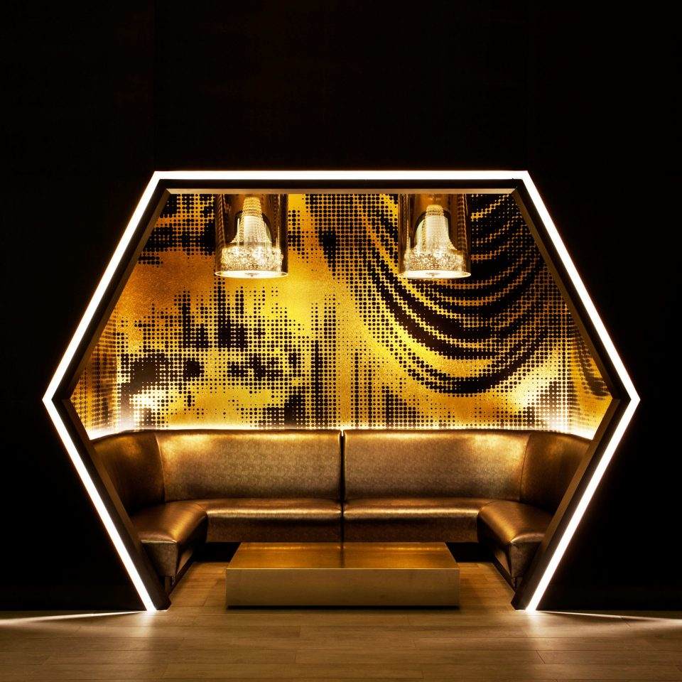 light lighting stage shape symmetry