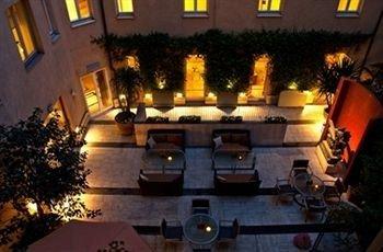 lighting mansion restaurant night