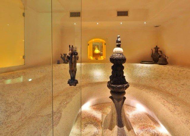 lighting tourist attraction museum