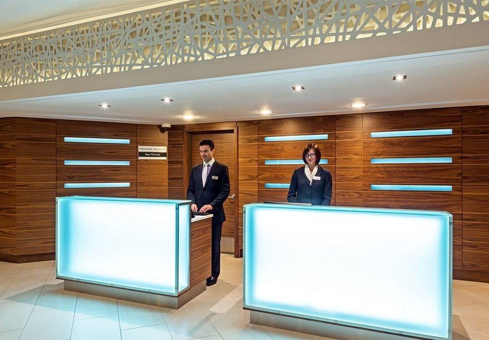 receptionist lighting