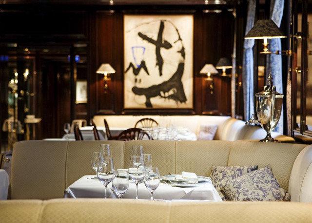 sofa restaurant lighting seat