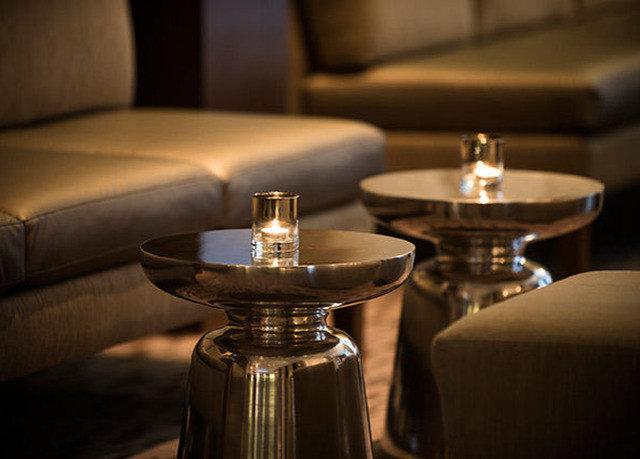 lighting restaurant set